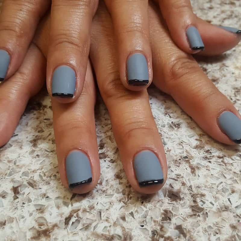 grey nails with black tips