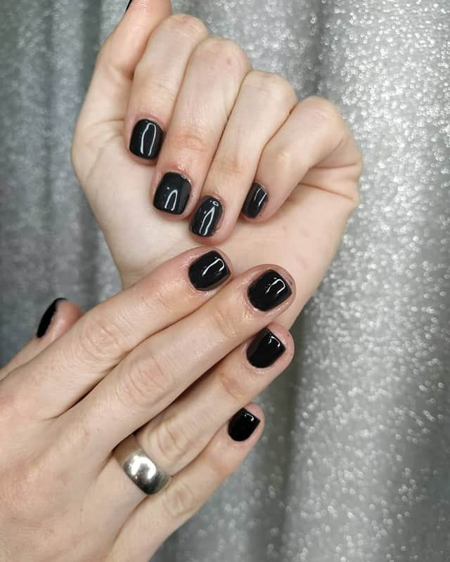 short square black nails
