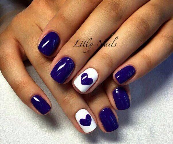 Royal blue heart nail