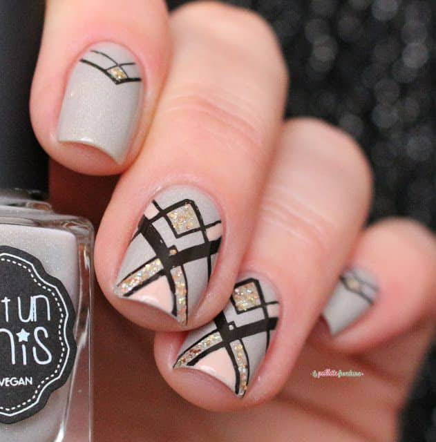 25 Geometric Nail Art for The Girls With Beauty & Brains