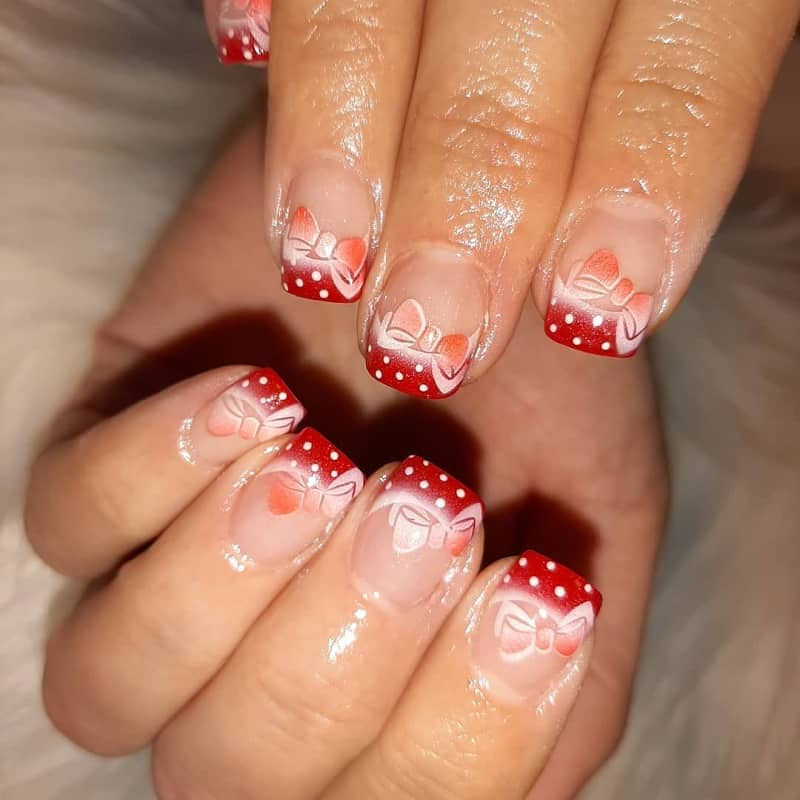airbrush christmas nail design