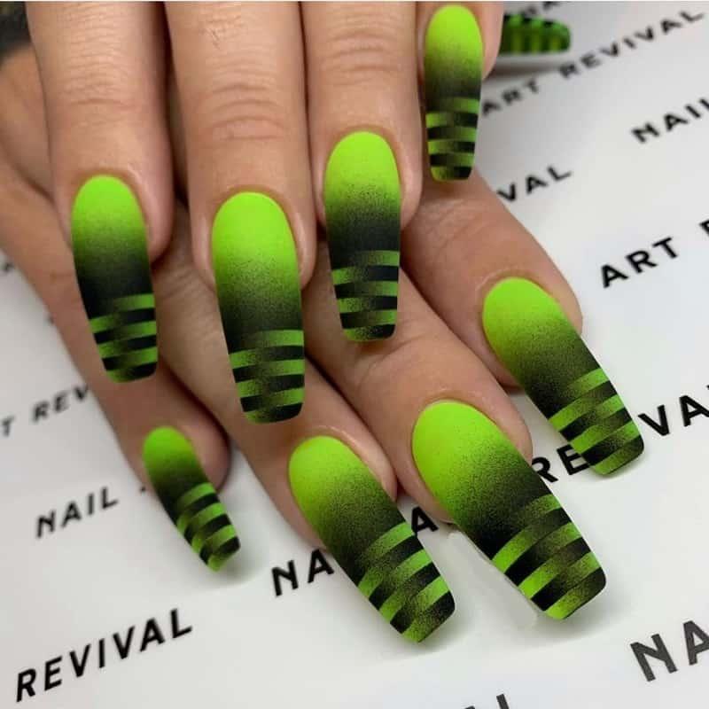 90s airbrush nail
