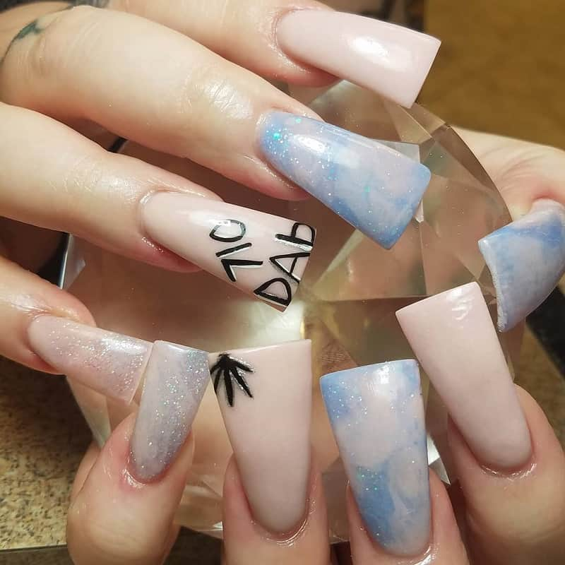 duck feet shaped nails