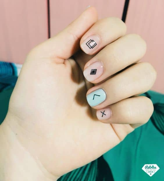 Different Geometric Designs on Nail