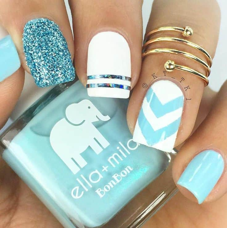 20 divine chevron nails know how to slay one naildesigncode you can have chevron nails combined with baby glue glitters and stripes a ring on the ring fingers will complement this design solutioingenieria Gallery