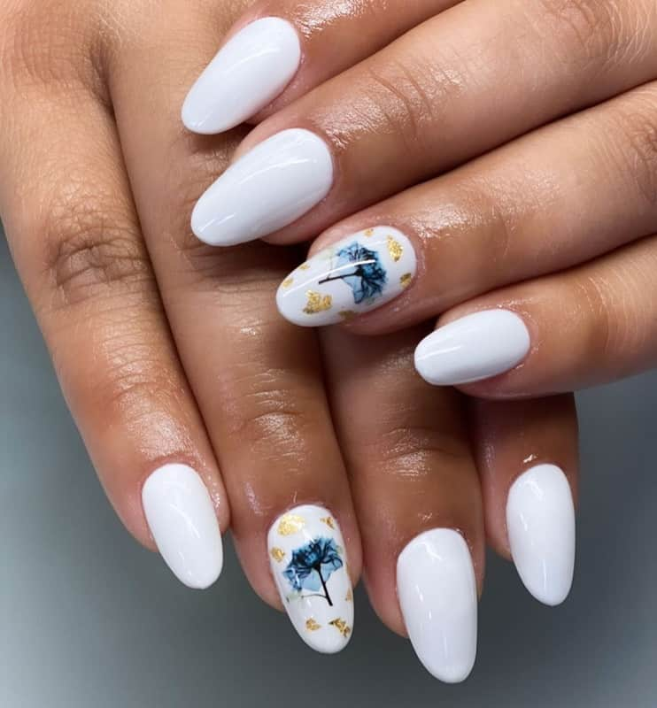 round acrylic white nails