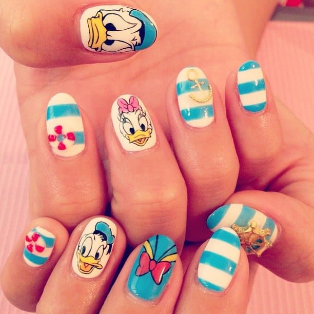 20 cutesy cartoon nail art for reminiscing childhood donald duck nail art prinsesfo Image collections
