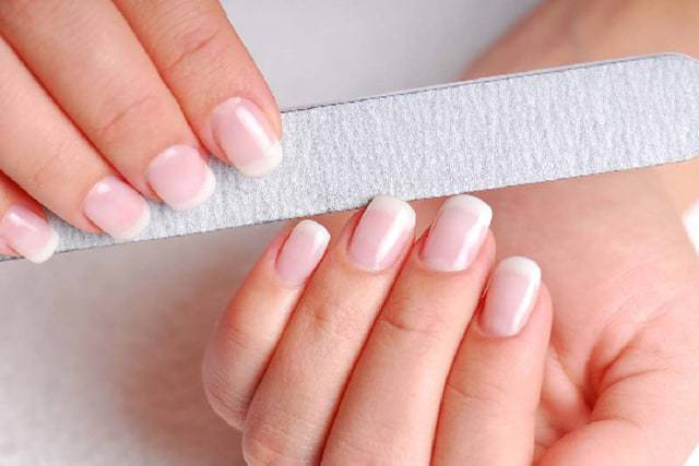 How To Do Manicure At Home: 6 Easy Steps
