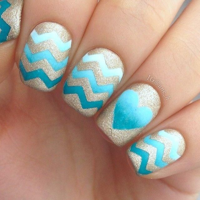 20 divine chevron nails know how to slay one naildesigncode golden chevron patterns on ombre teal nails look so beautiful and a heart shape on the ring finger looks astonishingly awesome solutioingenieria Gallery