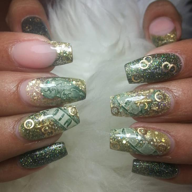 7 dynamic dollar nail art to show off money naildesigncode dont be a gold digger by nature this really evil but you can use the theme of gold and dollar together in this design use the richness of gold and the prinsesfo Images