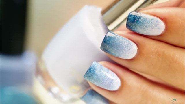 35 Gradient Glitter Ombre Nails to Add Glam