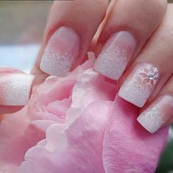 ombre white glitter nail for brides
