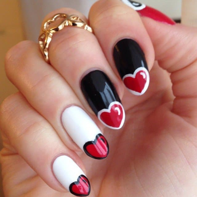 35 valentines day nail designs to celebrate love what more i can say except the word pretty this design looks simply gorgeous you can have this design as valentines day nail designs to make everyone prinsesfo Choice Image