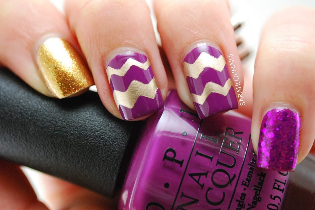 20 divine chevron nails know how to slay one naildesigncode the charm of gold is perfectly depicted in this design you can use gold nail polish and glitters on purple nails for a contrasting look solutioingenieria Gallery