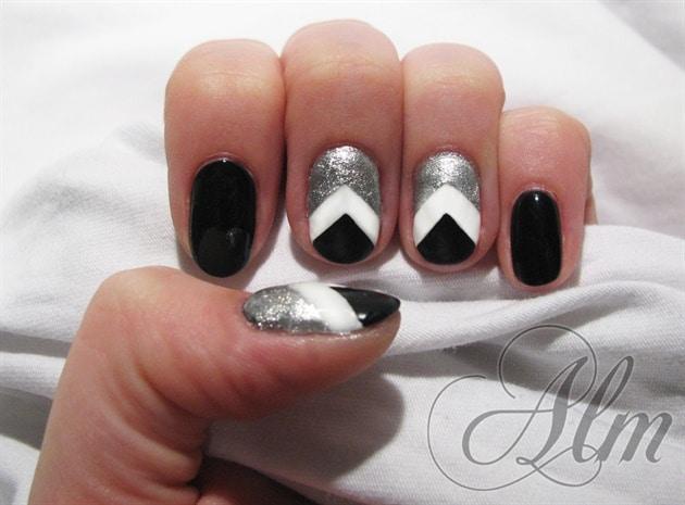 black and white chevron nail