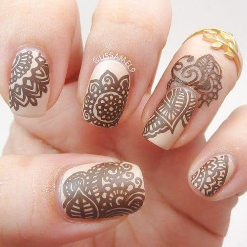 15 Creative Henna Nail Designs To Look Modish