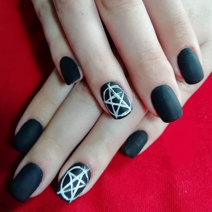 goth acrylic nails