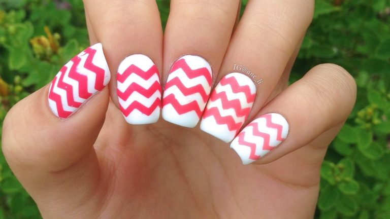 25 Divine Chevron Nails & Know How to Slay One