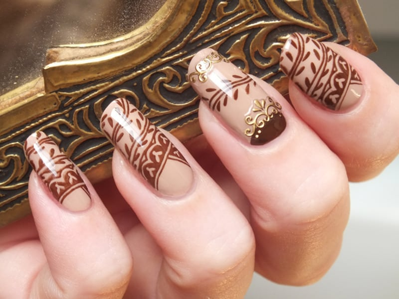 natural henna color nail design