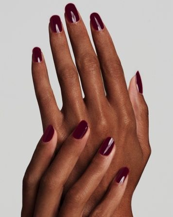 Maroon nail polish idea for dark skin tone