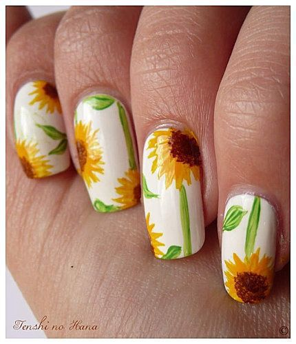 20 Bright Sunflower Nail Arts to Look Beautiful