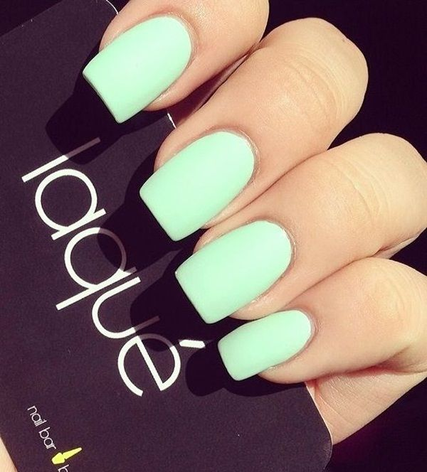 mint green nails matte
