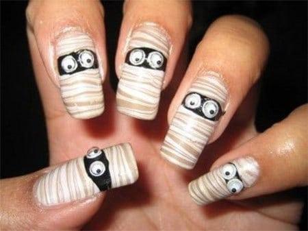 the mummy halloween nail