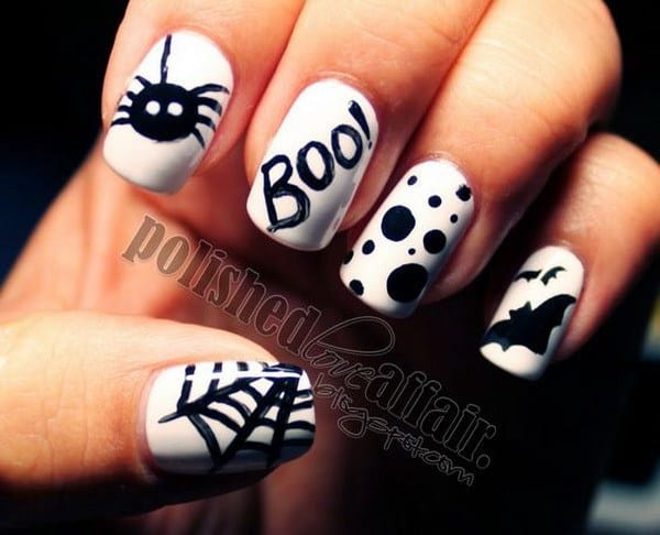 halloween nail with spider