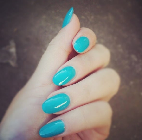 tiffany blue oval shaped acrylic nail