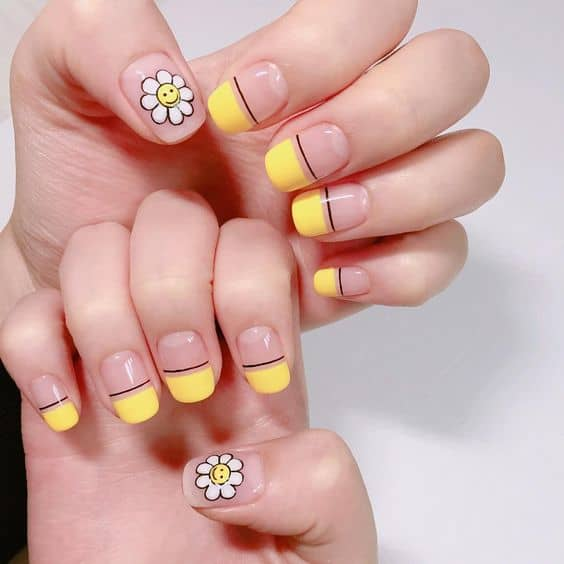 flower accent Korean nail