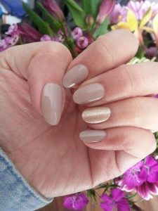 oval shaped acrylic nail designs
