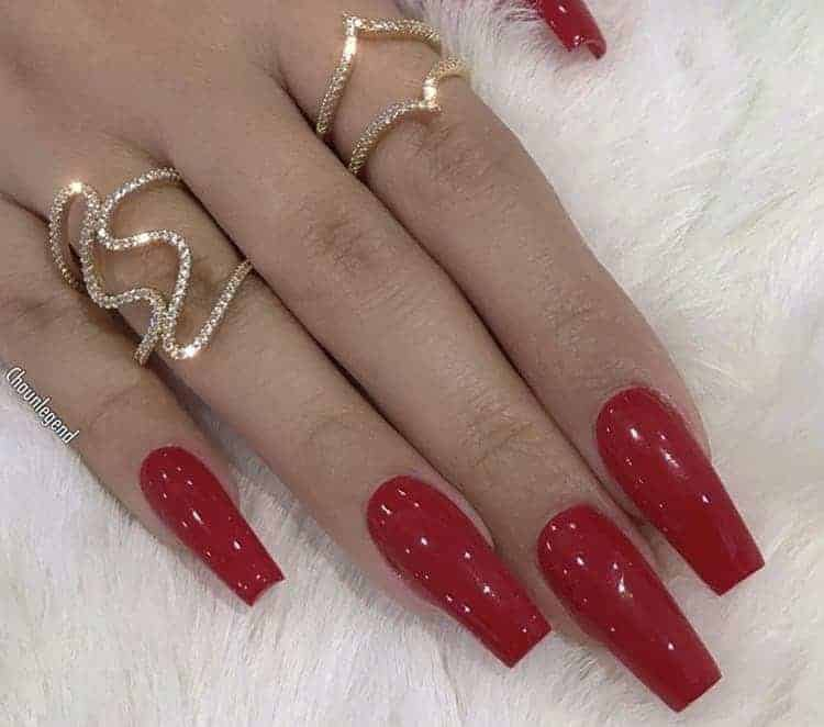 31 Awe-Inspiring Prom Nails To Make Heads Turn
