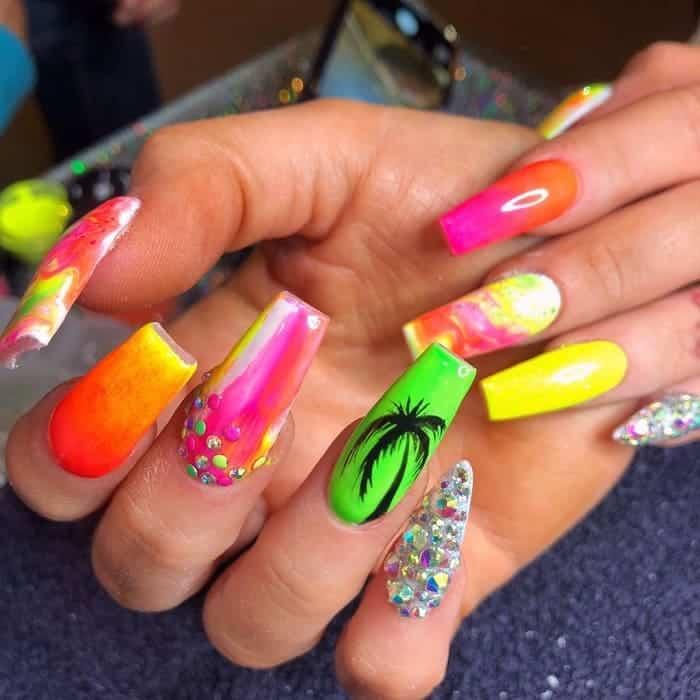 palm tree acrylic nails