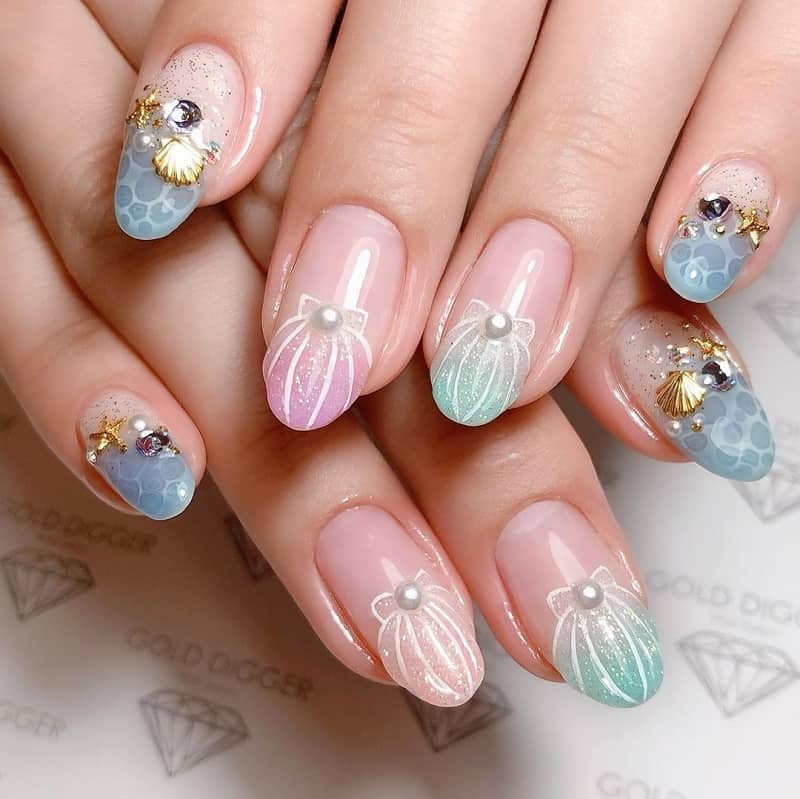 japanese nail art with rhinestones