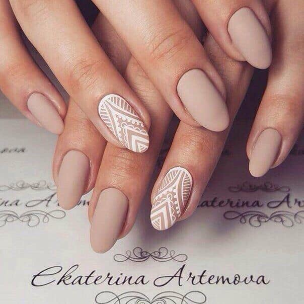 White pattern on nude nails