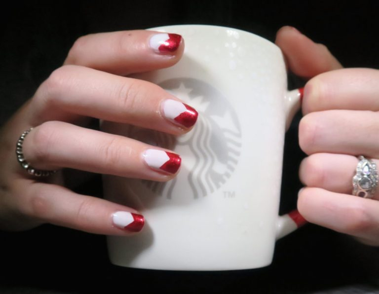30 Dramatic Two Tone Nails to Take Over Instagram