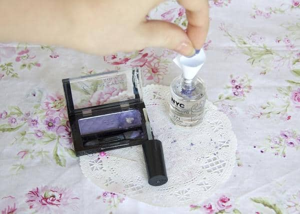 Matte Nail polish with eyeshadow