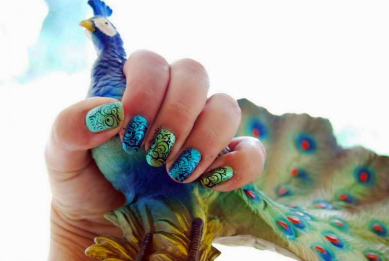 20 Magnificent Peacock Nail Designs to Embrace the Beauty