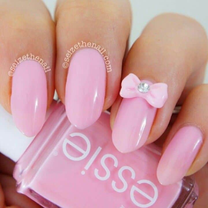 baby pink nails with bow