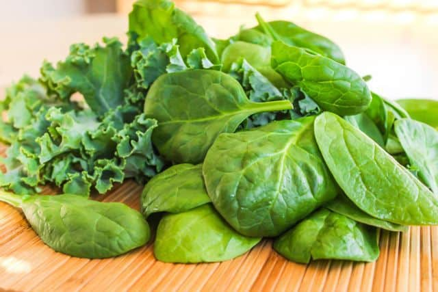 Leafy Vegetables for strong nails