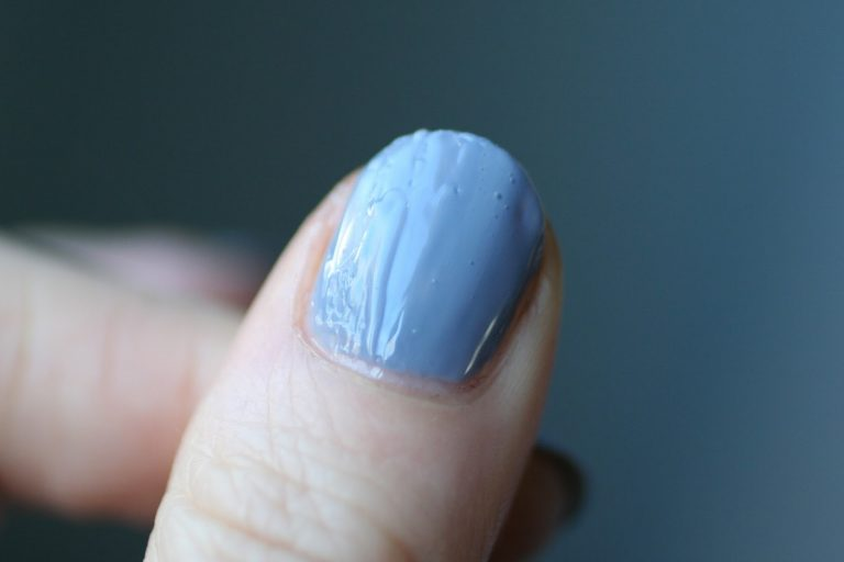How to Get Rid of Bubbles in Nail Polish