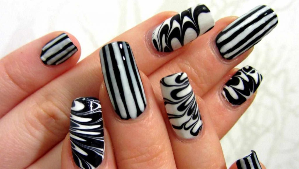 black and white toothpick nail design
