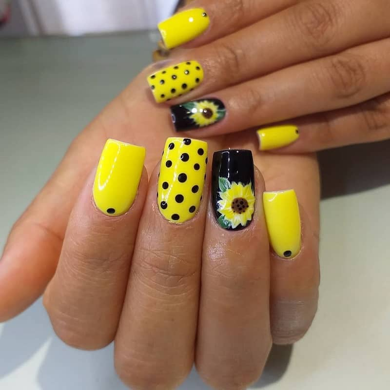 sunflower acrylic nails