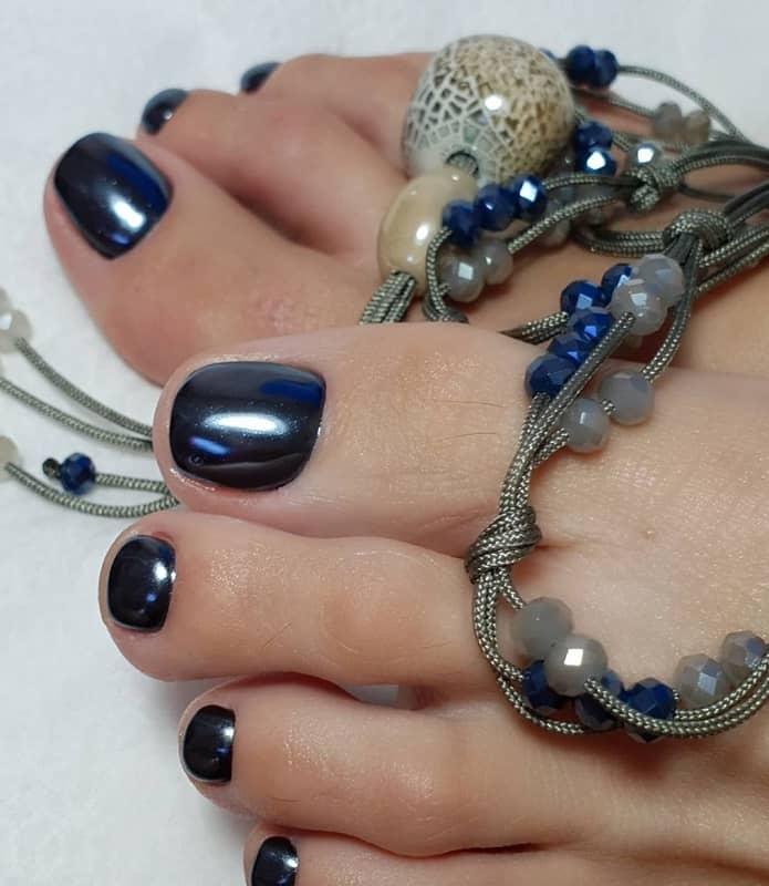 mirror toe nails