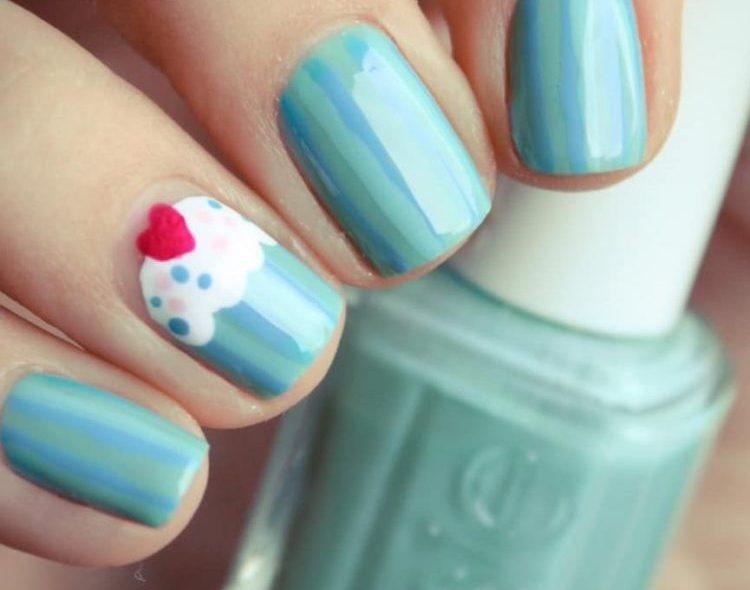 single nail cupcake design