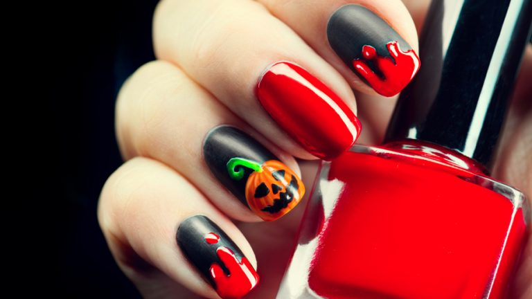 20 Prominent Pumpkin Nail Art for Halloween
