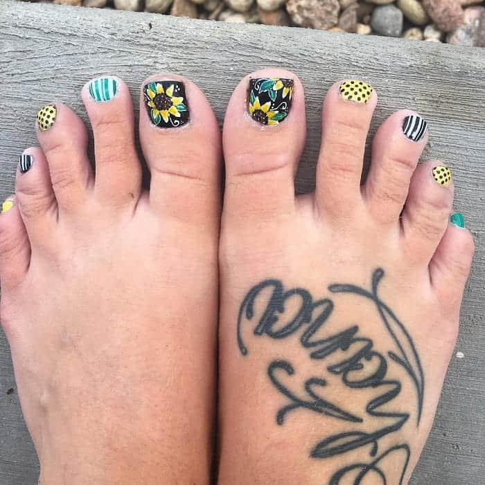 sunflower toe nail art