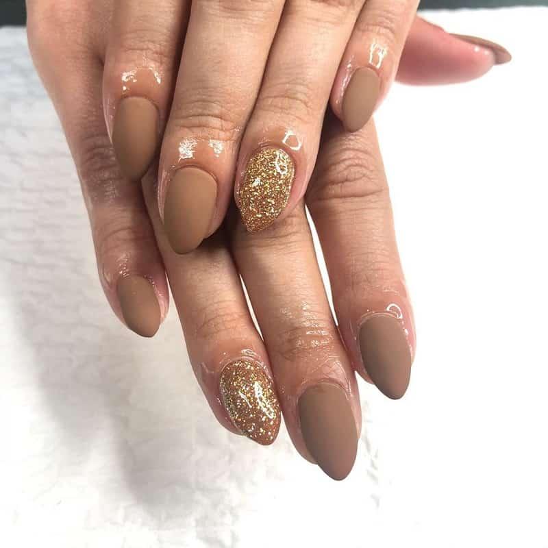 sparkle matte nude nails