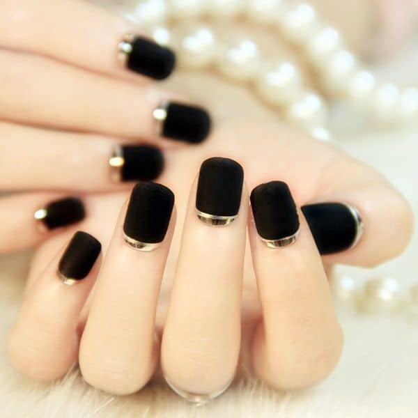 black and gold short acrylic nails