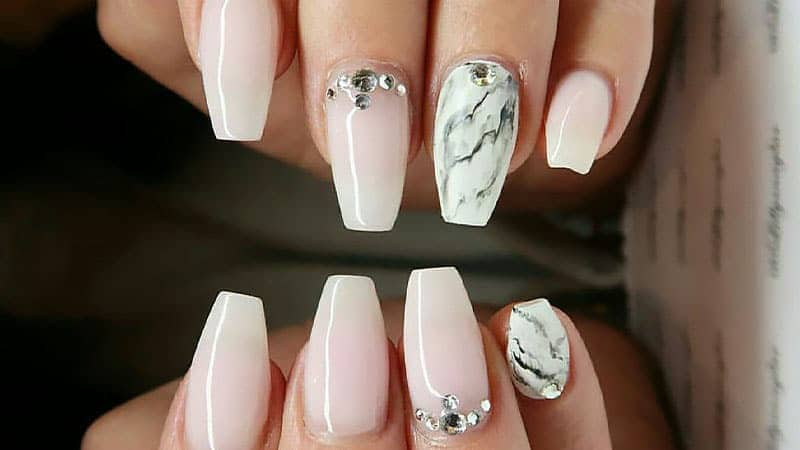 20 Short Coffin Nail Ideas to Inspire Your Next Mani ...